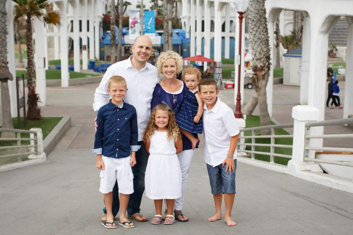 Alluring Oceanside Family Portraits by Kimble Photography